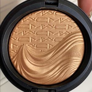 RARE BNIB MAC MAGNETIC APPEAL EX DIM SKINFINISH
